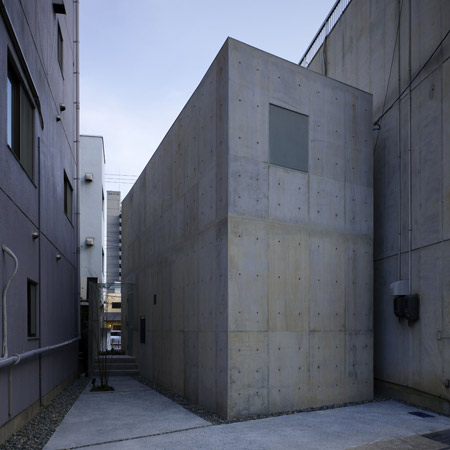 dzn_house-in-hiro-by-suppose-design-28